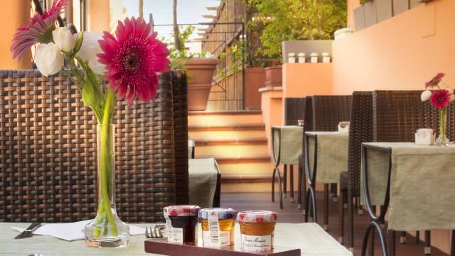 Roof-Garden-Breakfast-Hotel-Diana-1-LOW