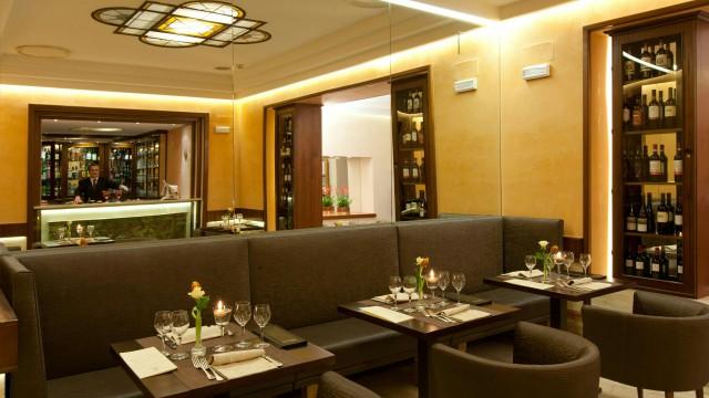 hotel-diana-roma-hall-6