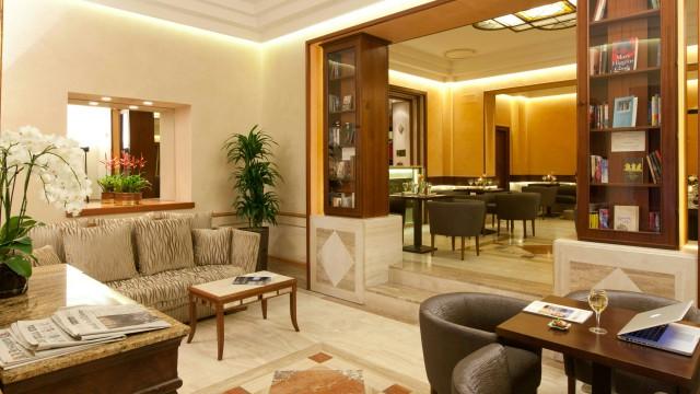 hotel-diana-roma-hall-5