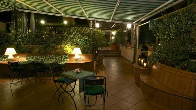 hotel-diana-roma-roof-garden-2