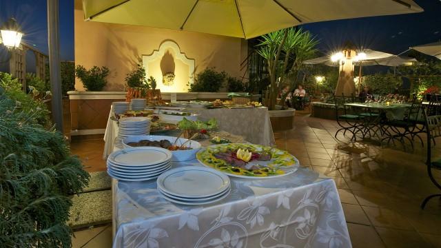 hotel-diana-roma-roof-garden-10