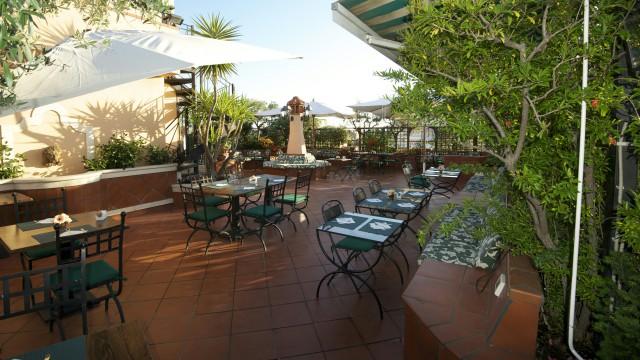 hotel-diana-roma-roof-garden-11