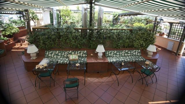 hotel-diana-roma-roof-garden-14